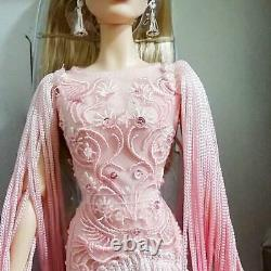 2017 Pink Barbie Platinum Level Fan club only very rare model unused with box